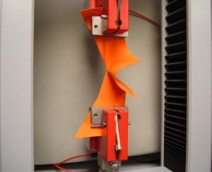 دستگاه تست یونیورسال دو ستونه با ظرفیت 20kN 2